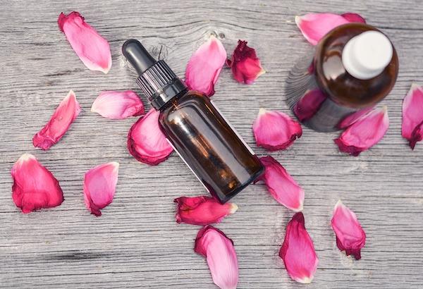 Les vertus de l'huile de noisette pour la peau, les cheveux et la santé