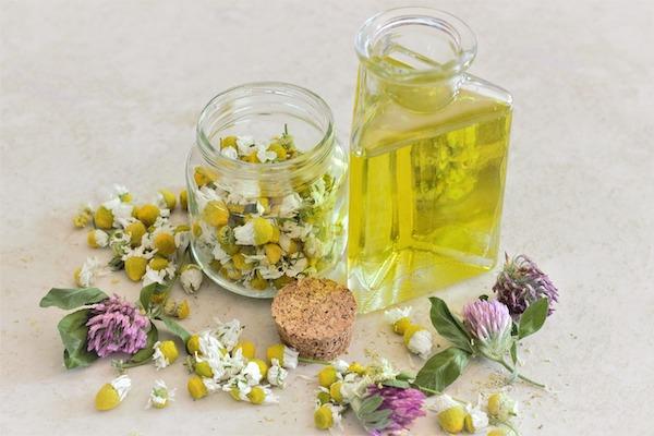 flacon huile végétale fleurs beauté